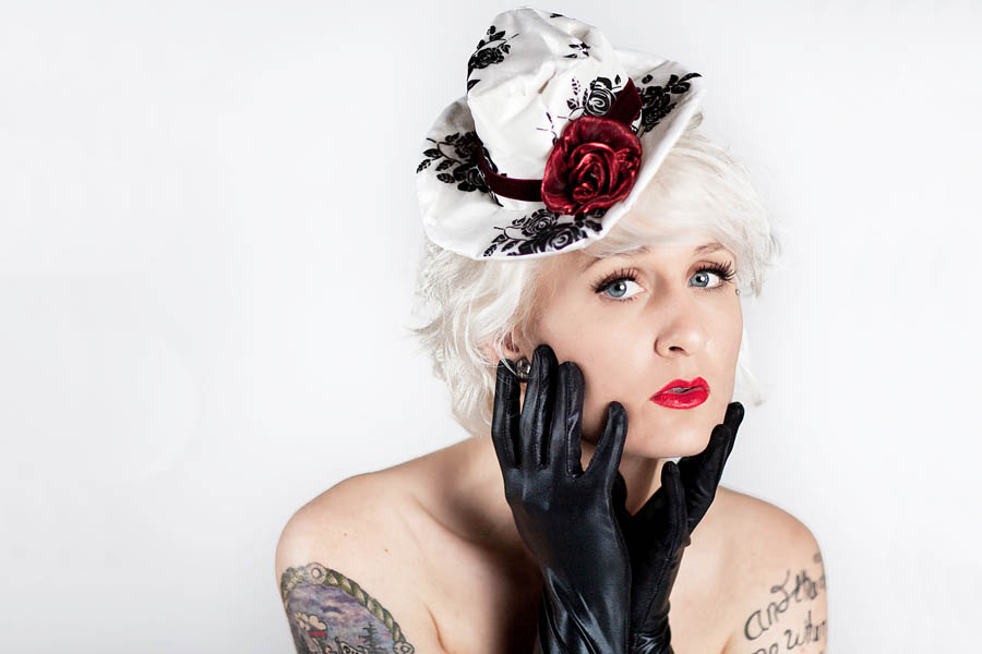 portrait oregon fashion model wearing hat and gloves
