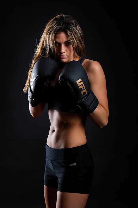 female kick boxer from Rogue Valley Oregon